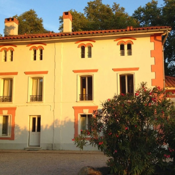 Domaine Castell de BlésSaint Génis des Fontaines - Chambres d'hôtes secrètes