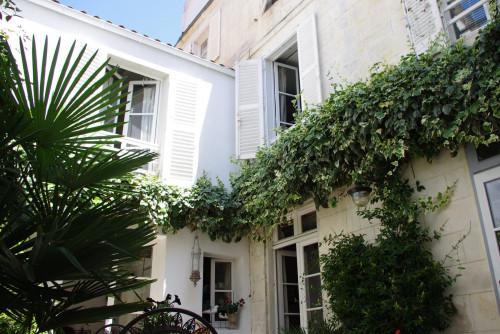 Vue sur cour - chambres d'hotes Nouvelle Aquitaine